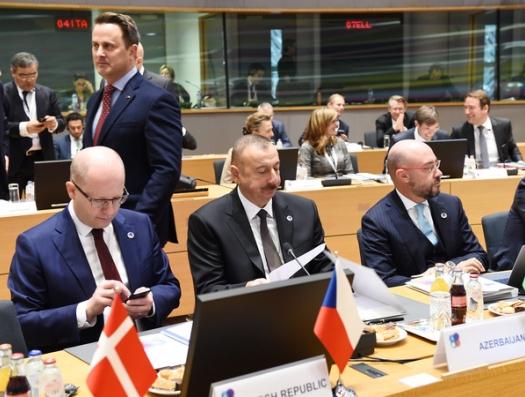 «Брюсселю не удалось увести Азербайджан и другие страны от России»