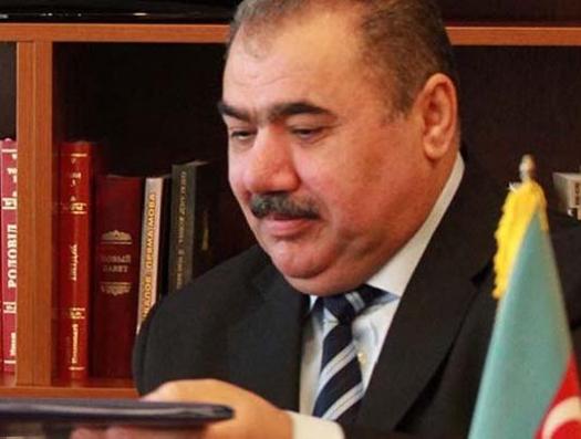 Ильхам Алиев освободил от должности Арифа Алышанова