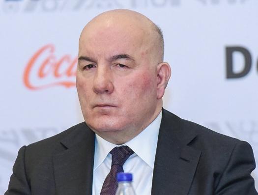Эльман Рустамов призвал отказаться от слова «девальвация»