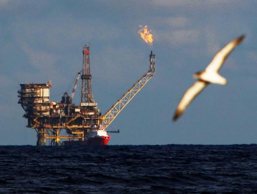 Скоро грянет нефтяная буря. Чья возьмет?