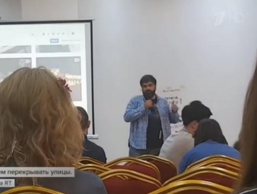 В Ереване армяне учат русскую молодежь устраивать революции