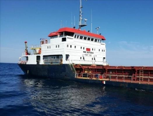 Турецкий сухогруз сел на мель в Адриатическом море