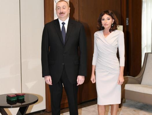 Алиевы встретились с деятелями культуры и искусства