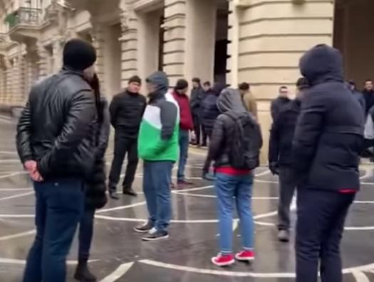 В Баку несанкционированная акция