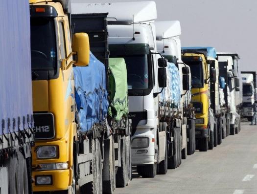 Туркменистан  объявил транспортную блокаду: таджики ищут помощи в Азербайджане