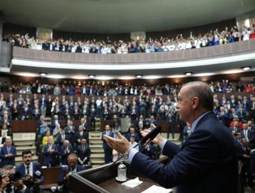 Турция все больше отдаляется от Запада