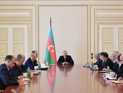 Ильхам Алиев созвал министров из-за пожара