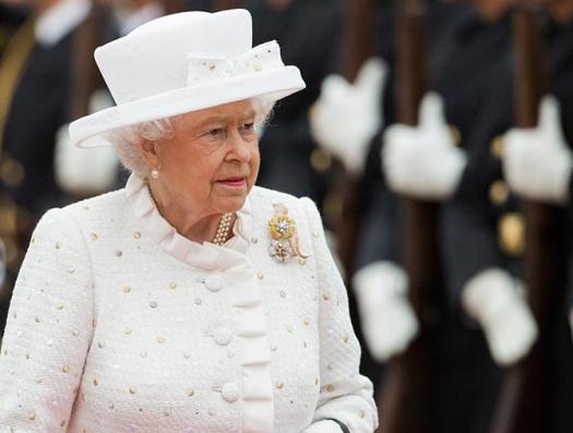 Королева Елизавета направляет маститого дипломата в Баку послом