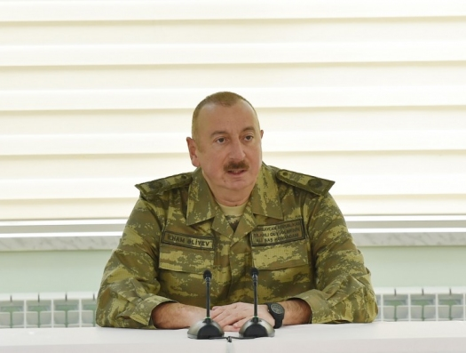 В канун годовщины «апрельской войны» Ильхам Алиев пошел к спецвойскам