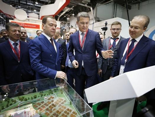 В России начались аресты людей Медведева