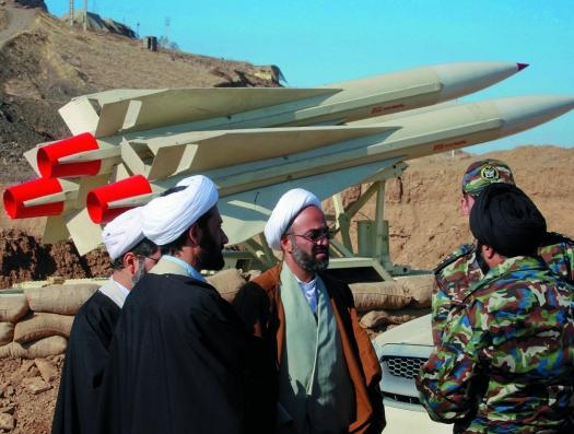 Иран готовится отразить военный удар США