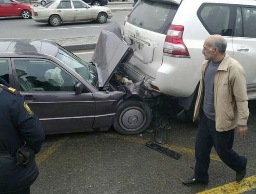 Цепная авария на проспекте Гейдара Алиева