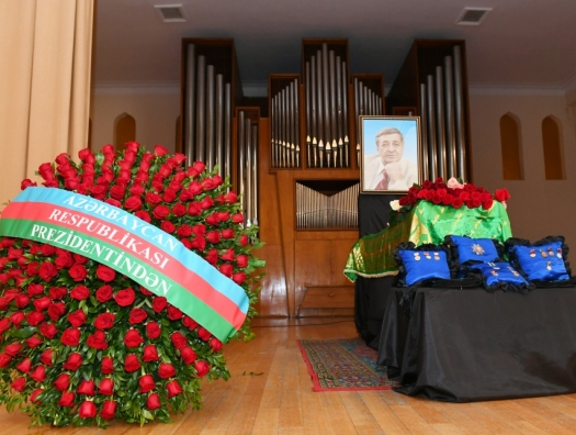 Алиевы на церемонии прощания с Арифом Меликовым