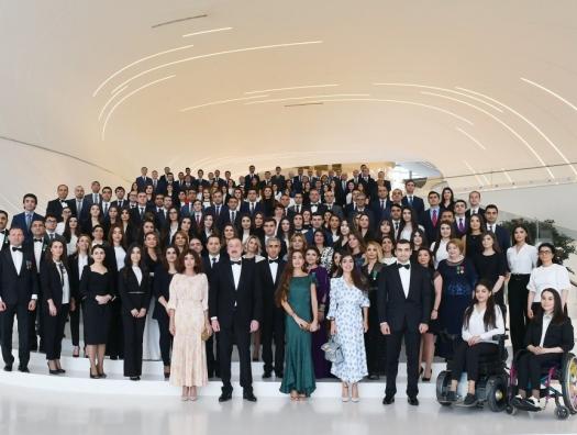Торжественная церемония в честь 96-летия Гейдара Алиева