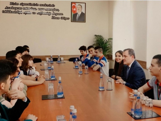 Лейла Алиева встретилась с победителями международных олимпиад