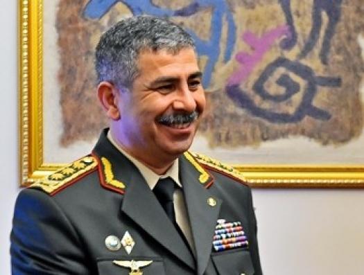 Армянские войска хотели открыть огонь по министру обороны Азербайджана?