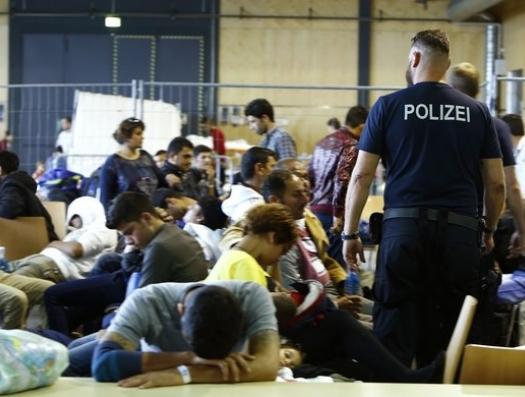 Германия выдворила, а Франция приютила троих маленьких детей из Азербайджана