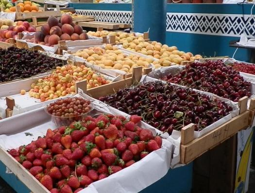 Парадокс: в Баку бешеный рост цен на черешню