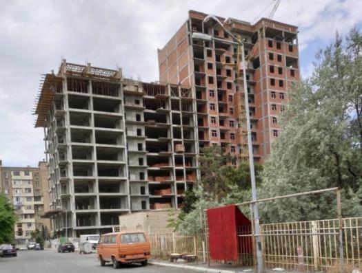 «Бомбы» замедленного действия в новостройках Баку: и снова кустарные стройматериалы!