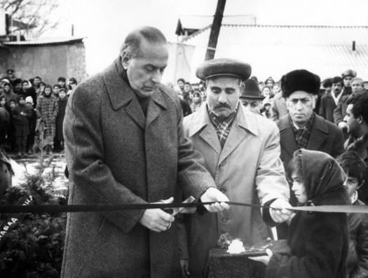 Я обомлел… Шёл сам Гейдар Алиев