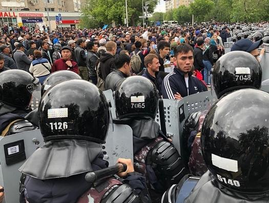 Массовые аресты в Казахстане: задержаны 4 тысячи человек!!!