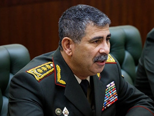 Министр обороны Азербайджана: «Футболист Мхитарян и гроша ломаного не стоит»