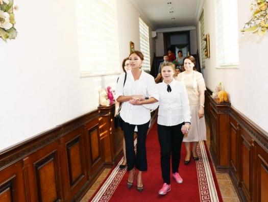 Мехрибан Алиева встретилась с детьми с ограниченными возможностями