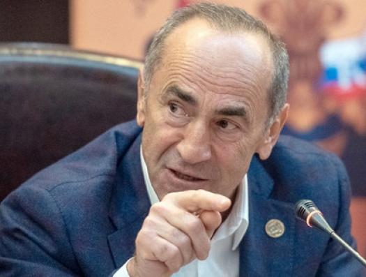 Роберт Кочарян: «Пашинян хочет избавиться от Карабаха, как от бремени»