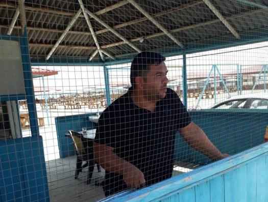 Только в Азербайджане: «Окунуться в Каспий стоит 5 манатов»
