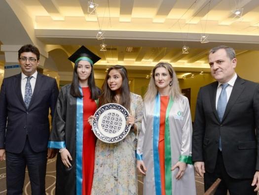 Лейла Алиева на встрече с выпускниками SABAH