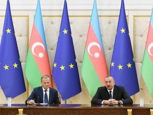 Ильхам Алиев и Дональд Туск выступили с заявлениями