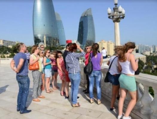 Азербайджан проигрывает Армении по ценам, но выигрывает по сервису