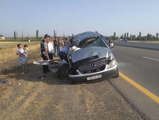 Кровью залит асфальт на дорогах Азербайджана