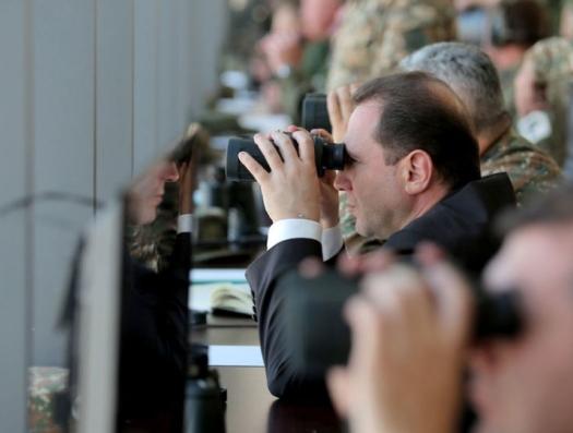 Министр обороны Армении обещает «военные сюрпризы»