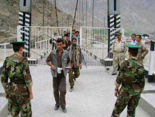 Таджикистан и Киргизия не поделили землю… и началась перестрелка