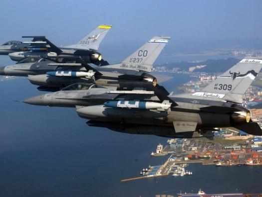 Южнокорейские самолеты открыли предупредительный огонь по российскому бомбардировщику