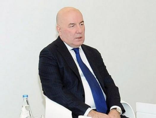 Эльман Рустамов вышел к народу с заморским словом «ревальвация»