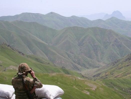 Минобороны Азербайджана: Армении не удалось взять под контроль трассу Азербайджан-Грузия