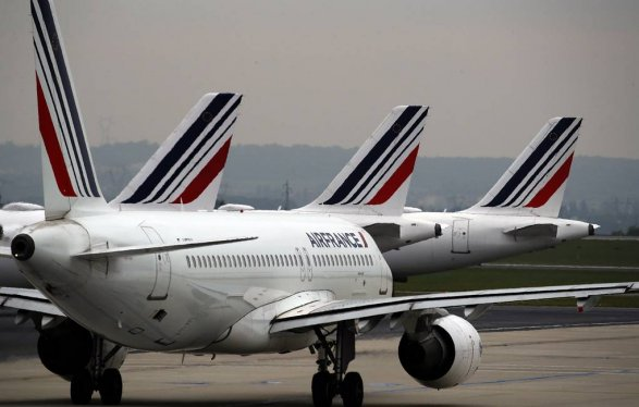 Совершивший экстренную посадку вЛюксембурге самолет Air France вылетел вПариж