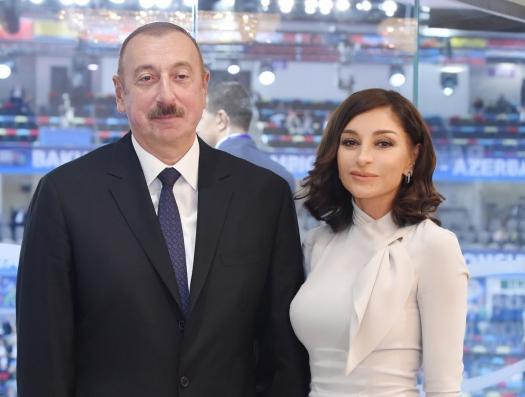 Ильхам и Мехрибан Алиевы обратились к учащимся Азербайджана
