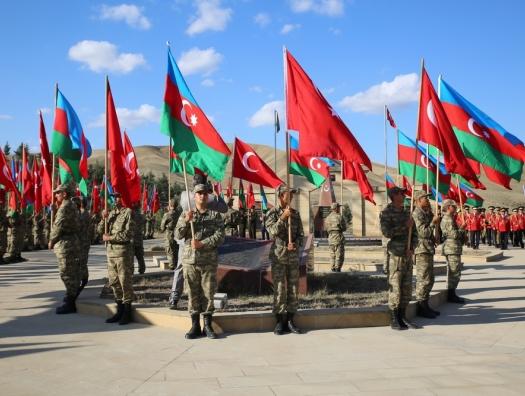 Годовщину освобождения Баку отметили маршем