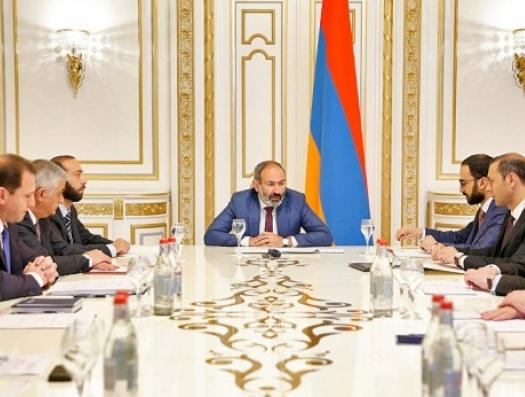 Бунт министров против Пашиняна: ожидаются громкие отставки