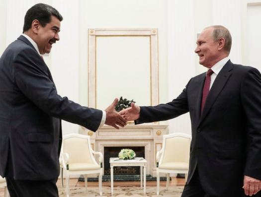 Мадуро решает проблемы в Москве… И спешит в Баку
