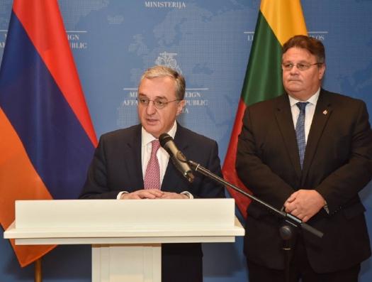 А теперь Армения просит у Литвы спасения от России