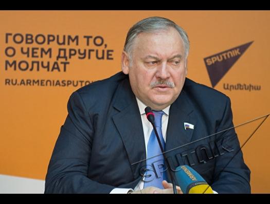 Депутат пошел против Кремля, но к Армении