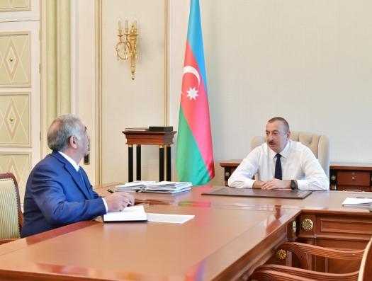 Ильхам Алиев: «Дороги во всех посёлках должны быть заасфальтированы!»