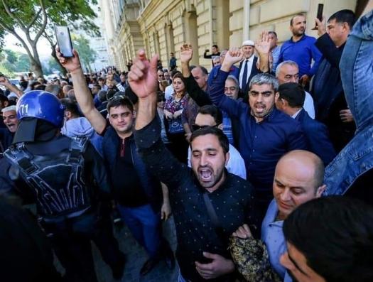 Беспорядки в Баку на иностранные деньги?