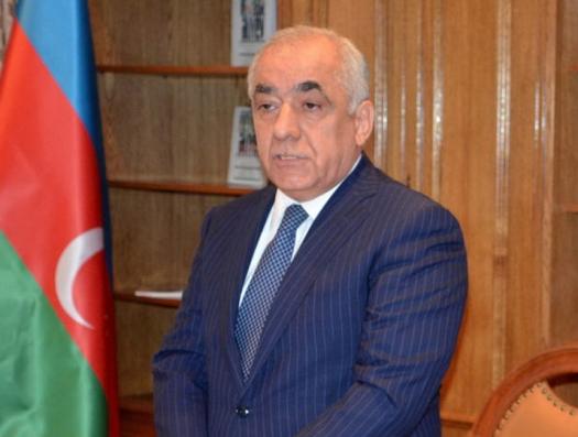 Али Асадов уволил двух помощников