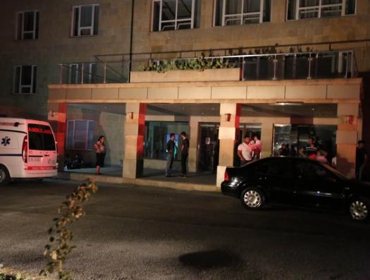 В Баку родственники больной напали на врачей