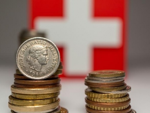 И потекли азербайджанские деньги в экономику Швейцарии